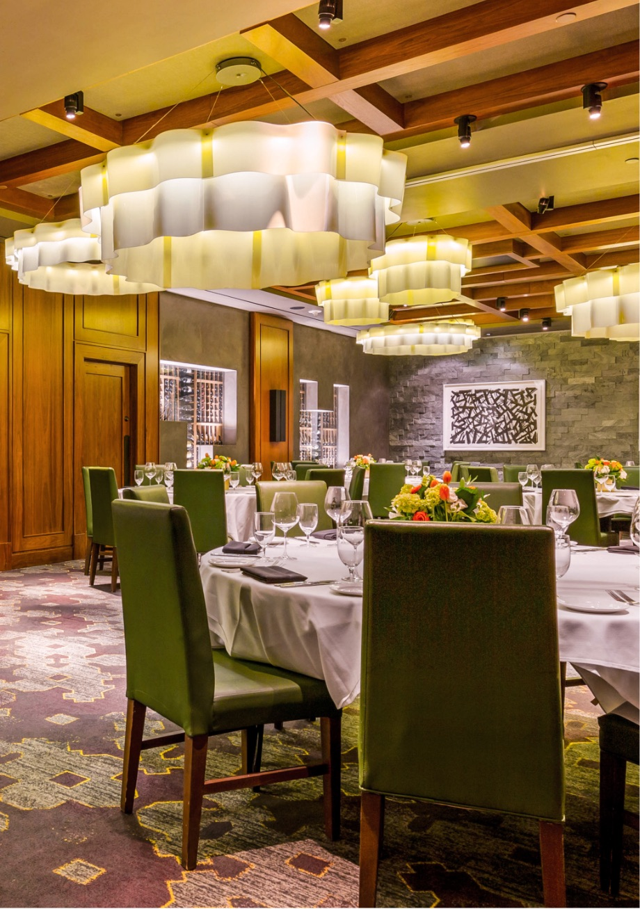 The dining room at Del Frisco's Double Eagle Steakhouse